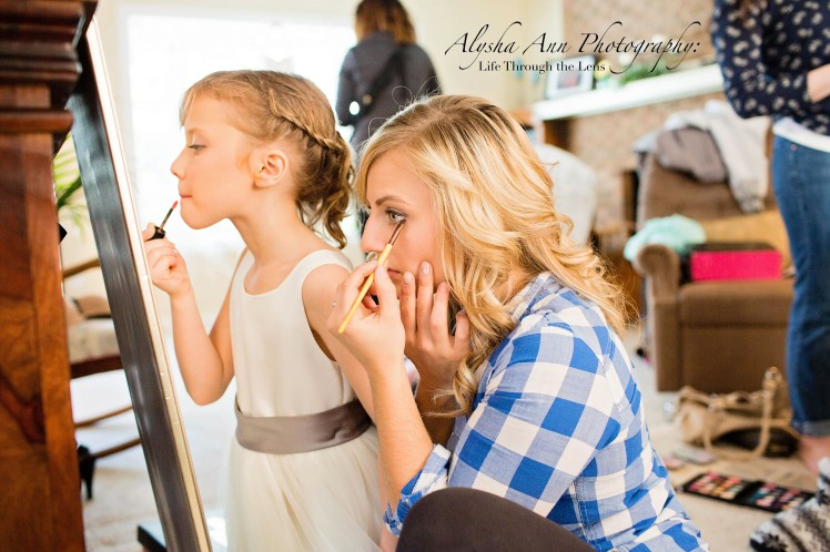 Anna&JosiahGettingReady-7