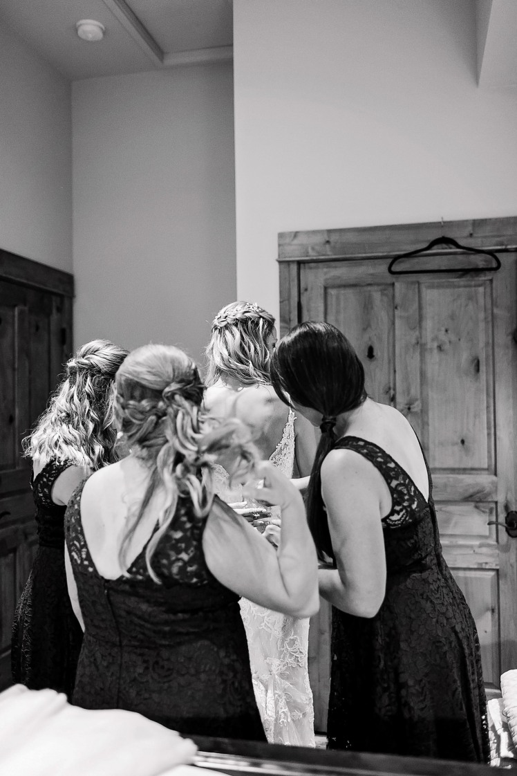 Gene&SarahGettingReady2018AlyshaAnnPhotography-52