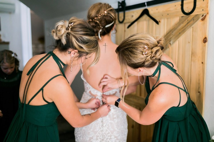 Jeff&AmieGettingReady2018AlyshaAnnPhotography-36